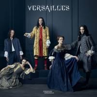 Versailles : gravement blessé et amputé du pouce, un acteur porte plainte contre la série