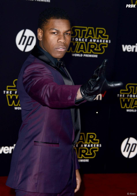 John Boyega à l'avant-première de Star Wars le réveil de la Force à Los Angeles