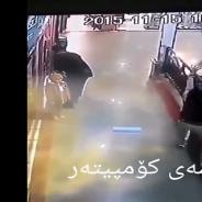 Hallucinant : un homme sauve miraculeusement un enfant d'une chute mortelle !