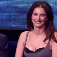 Frédérique Bel sexy : son décolleté enflamme Vendredi tout est permis... et Twitter