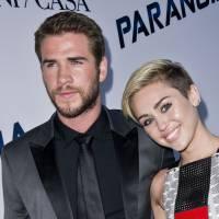 Miley Cyrus de nouveau fiancée à Liam Hemsworth ? La bague qui sème le doute