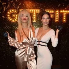 Emily Ratajkowski : robe moulante et décolleté jusqu'au nombril, elle éclipse Rita Ora