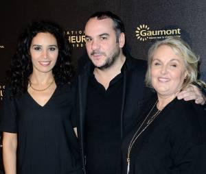 Aïda Touihri, Françoix-Xavier Demaison et Valérie Damidot à l'avant-première du film Chocolat en faveur de l'association CéKeDuBonheur, le 1er février 2016 à Paris