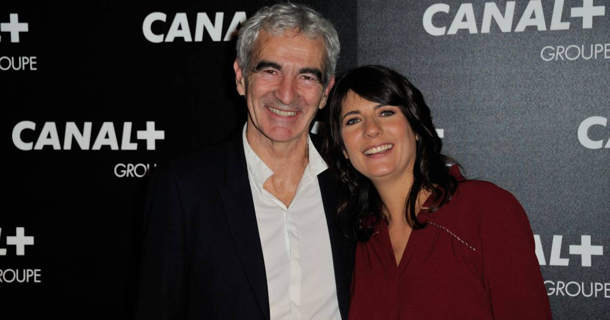 estelle denis et raymond domenech en couple la soir e du. Black Bedroom Furniture Sets. Home Design Ideas