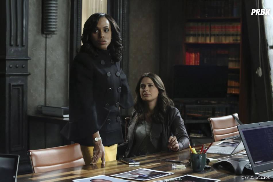 Scandal saison 5, épisode 10 : Olivia (Kerry Washington) et Quinn (Katie Lowes) sur une photo