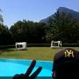 Les Marseillais South Africa : Julien près de la piscine