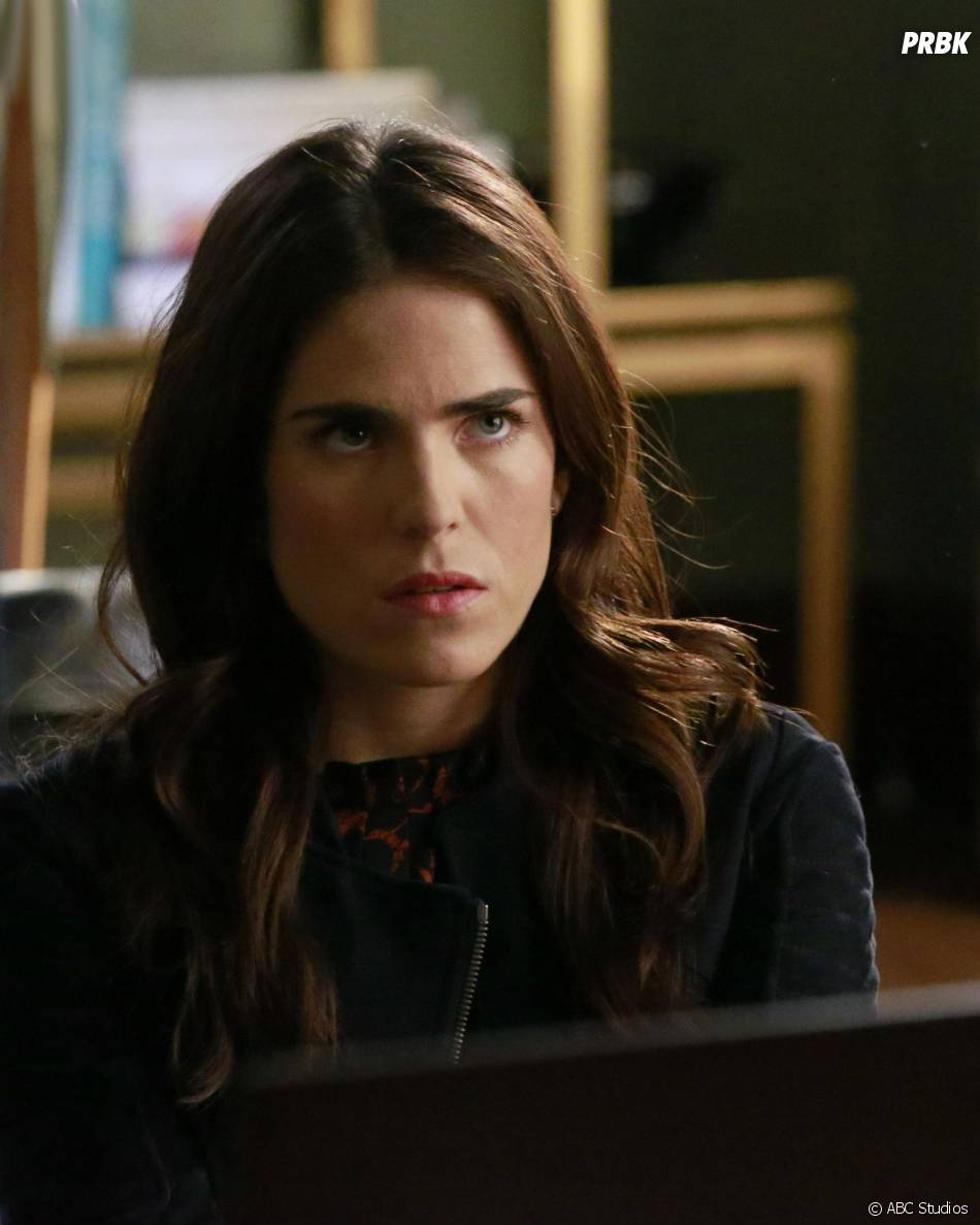 How to Get Away with Murder saison 2, épisode 14 : Laurel (Karla Souza) sur une photo