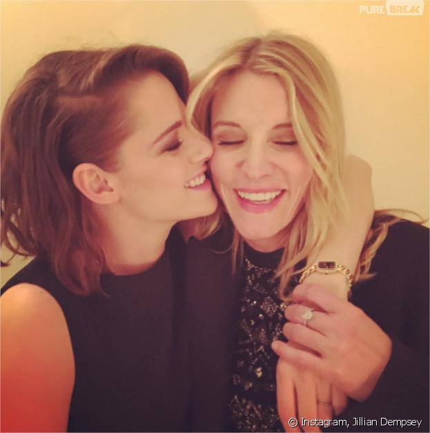 Jillian Dempsey pose avec Kristen Stewart