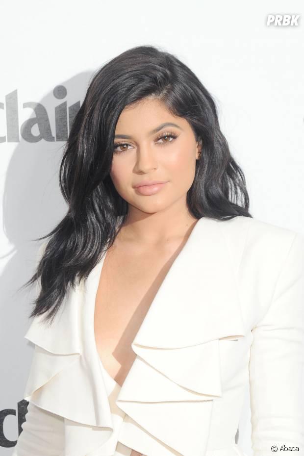 Favori Kylie Jenner : gros bug sur son site de vente de rouge à lèvres  TH15