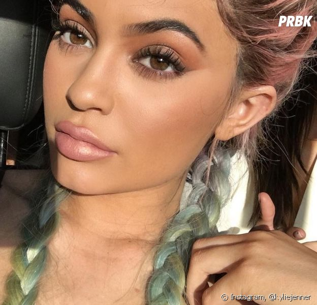 Kylie Jenner se fait lyncher sur Twitter.