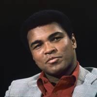 Mort de Mohamed Ali : Michaël Youn, Justin Bieber... les stars rendent hommage au célèbre boxeur
