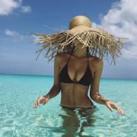 Emily Ratajkowski : vacances sexy aux Caraïbes pour ses 25 ans