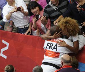 Teddy Riner retrouve sa compagne Luthna Plocus après sa victoire aux JO 2012