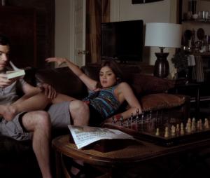 Pretty Little Liars saison 7 : Aria, Ezra et les échecs
