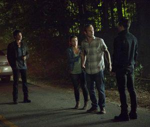 The Vampire Diaries saison 8, épisode 1 : Damon et Enzo sur une photo