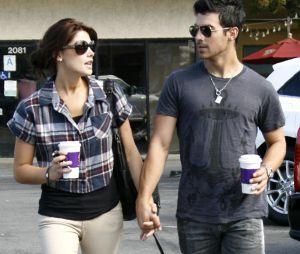 Joe Jonas raconte comment il a perdu sa virginité avec Ashley Greene, alias Alice dans Twilight.