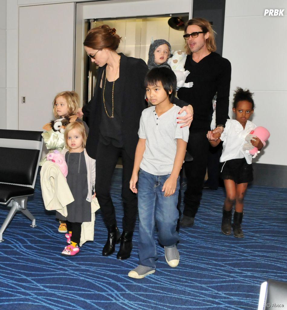 Brad Pitt voudrait la garde partagée des enfants mais Angelina Jolie préférerait avoir la garde exclusive.