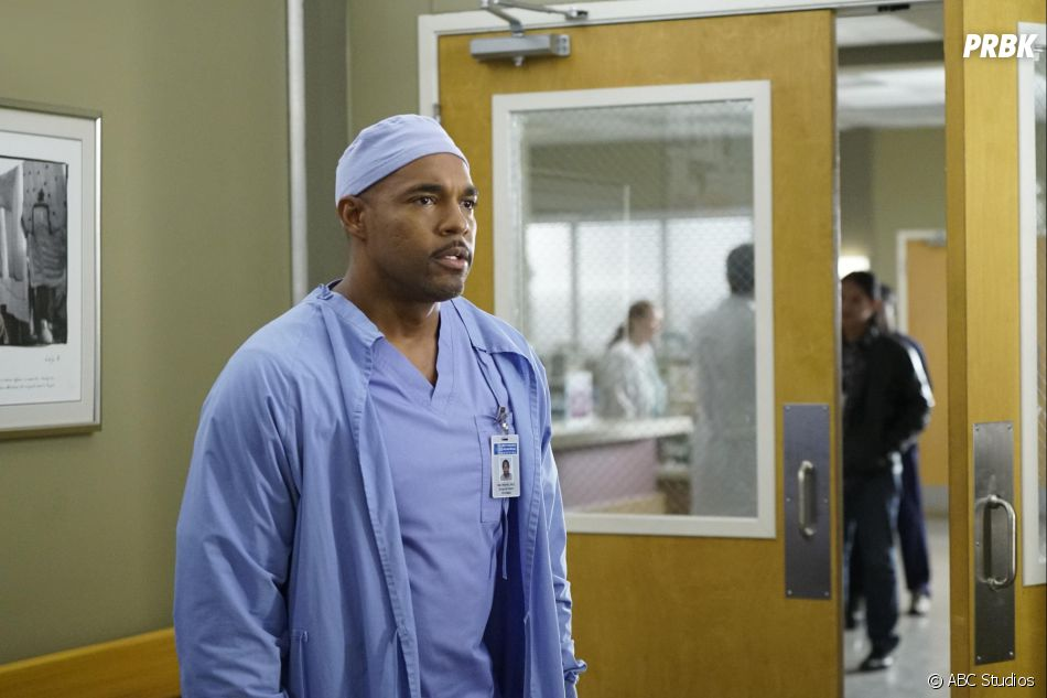 Grey's Anatomy saison 13, épisode 6 : Ben (Jason George) sur une photo