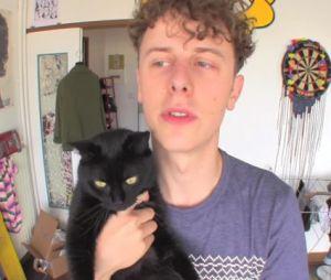 """Norman dévasté par la mort de son chat noir Sergi : """"J'ai pleuré comme une madeleine"""""""