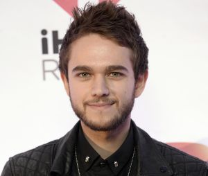 Bella Thorne drague Zedd sur Twitter