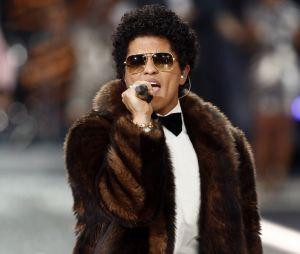 Bruno Mars prêt à abandonner la musique pour retrouver sa maman ? Ses confessions bouleversantes