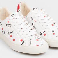 Sneakers, sweat, casquette... Colette dévoile sa sélection spéciale Saint Valentin