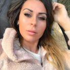 Shanna Kress : célibataire, elle s'éclate en boîte... avec une fille