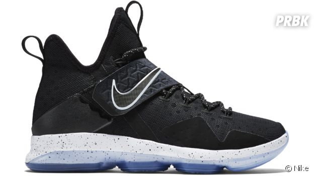 "Les sneakers Nike LeBron 14 ""Black Ice""."