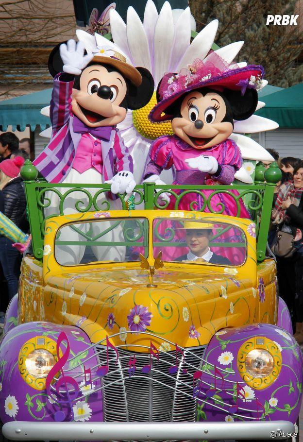Mickey est unique : il n'y en a qu'un seul dans tout le parc déguisé dans ce personnage.