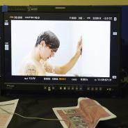 Antoine Griezmann torse nu sous la douche : les coulisses de sa pub pour Head & Shoulders