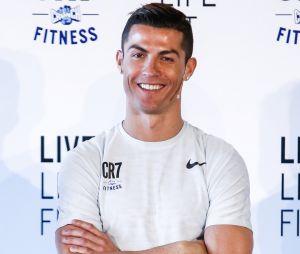 3.000 abdos par jour pour Cristiano Ronaldo ? Le footballeur répond enfin !
