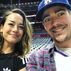 Grant Gustin (The Flash) fiancé : qui est sa petite amie LA Thoma ? 💍
