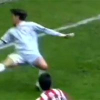 Foot ... TOP 10 des buts du week-end (16-18 avril 2010)
