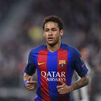 Neymar prend la pose avec Julien Tanti, Nikola Lozina et Manon Marsault !