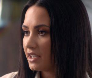 """Demi Lovato présente """"Simply Complicated"""", un documentaire où elle se confie sur les troubles alimentaires, la drogue ou encore la sexualité."""