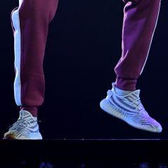 Stormzy : accusé de porter des Yeezy Beluga fakes aux MTV EMA 2017, il se fait afficher sur Twitter