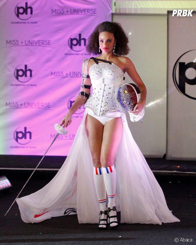 Alicia Aylies  son problème de costume pour Miss Univers