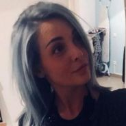 Priscilla Betti change de tête : elle passe aux cheveux gris et bleus