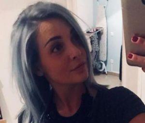 Priscilla Betti change de tête : elle passe aux cheveux gris et bleus !