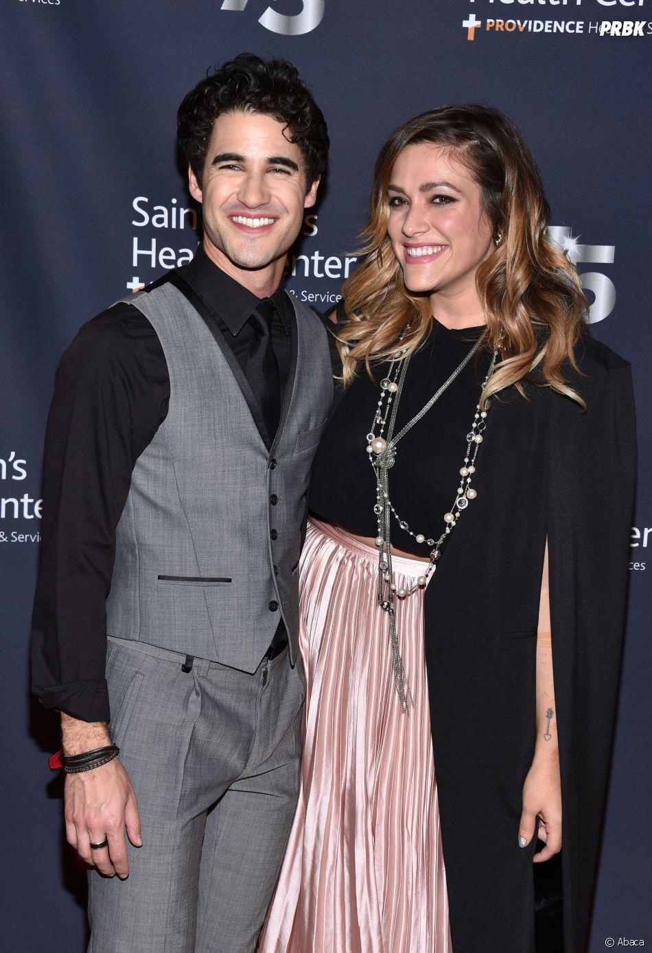 Darren Criss et sa petite amie Mia Swier vont se marier