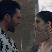 """Clip """"Wait"""" de Maroon 5 : Adam Levine tente de reconquérir Alexandra Daddario"""