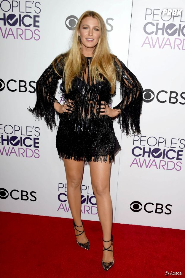 """Blake Lively """"très fière"""" : la femme de Ryan Reynolds a perdu près de 30 kilos après ses deux grossesses !"""