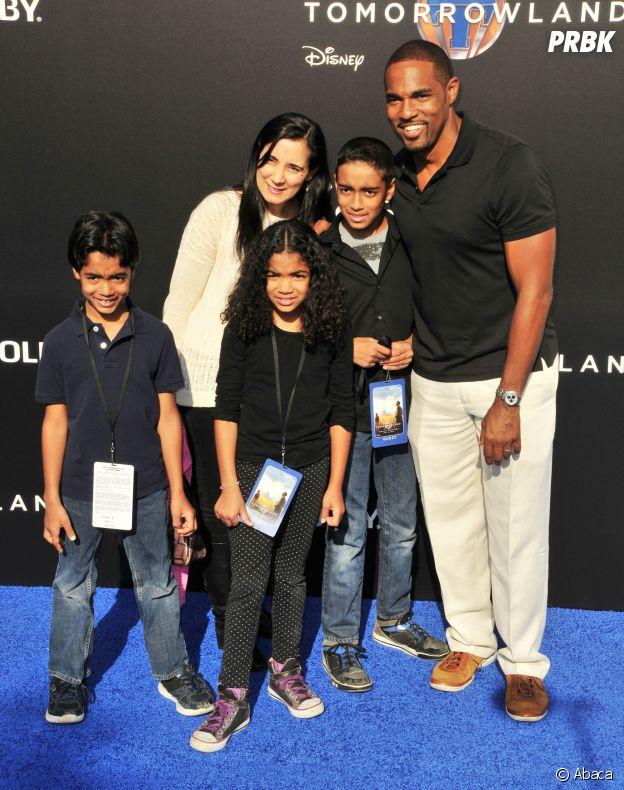 Jason George, sa femme et leurs enfants