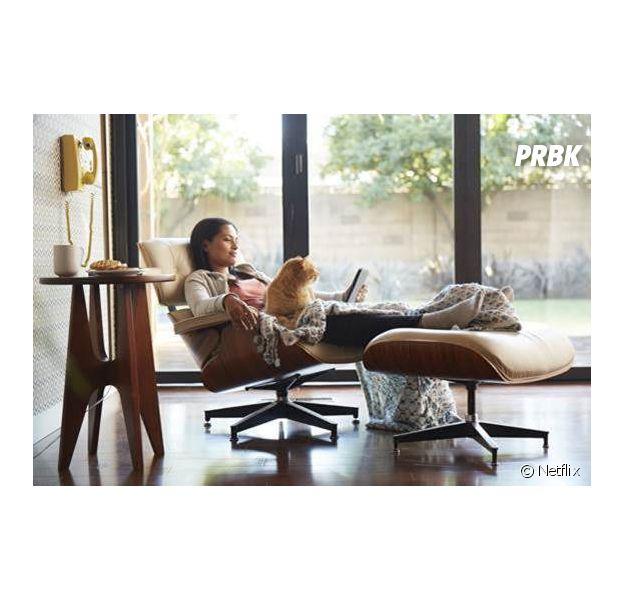 Netflix : 55% des français interrogés lors d'un sondage avouent trouver leur chien ou leur chat parfaits comme partenaires de binge watching !
