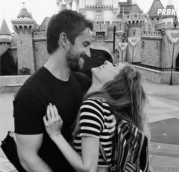 Robert Buckley et Jenny Wade se sont mariés en secret