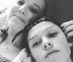 Millie Bobby Brown (Stranger Things) et Jacob Sartorius : le baiser du jeune couple ne passe pas !