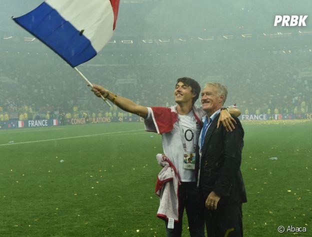 Didier Deschamps et son fils Dylan fêtent la victoire des Bleus lors de la Coupe du Monde 2018 le 15 juillet à Moscou