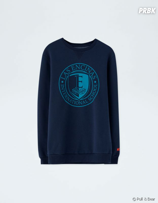 Elite x Pull & Bear : sweat bleu foncé au logo Las Encinas vendu 19,99€