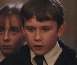 Harry Potter : Tom Felton (Drago Malefoy) n'est pas le seul à avoir bien changé, Matthew Lewis (Neville Londubat) a lui aussi bien grandi.