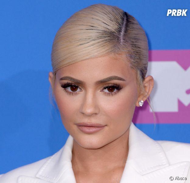 Kylie Jenner fiancée à Travis Scott ? Elle semble confirmer avec cette photo
